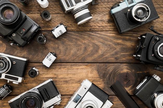 Máy ảnh Nhật Linh